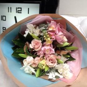 La Femme Bouquet